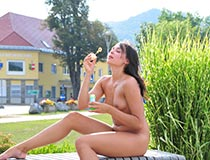 Girl Nude In Public 9