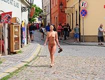 heiße girls nackt draussen 8