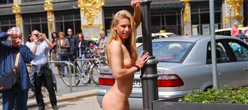 hot Girl naked in public