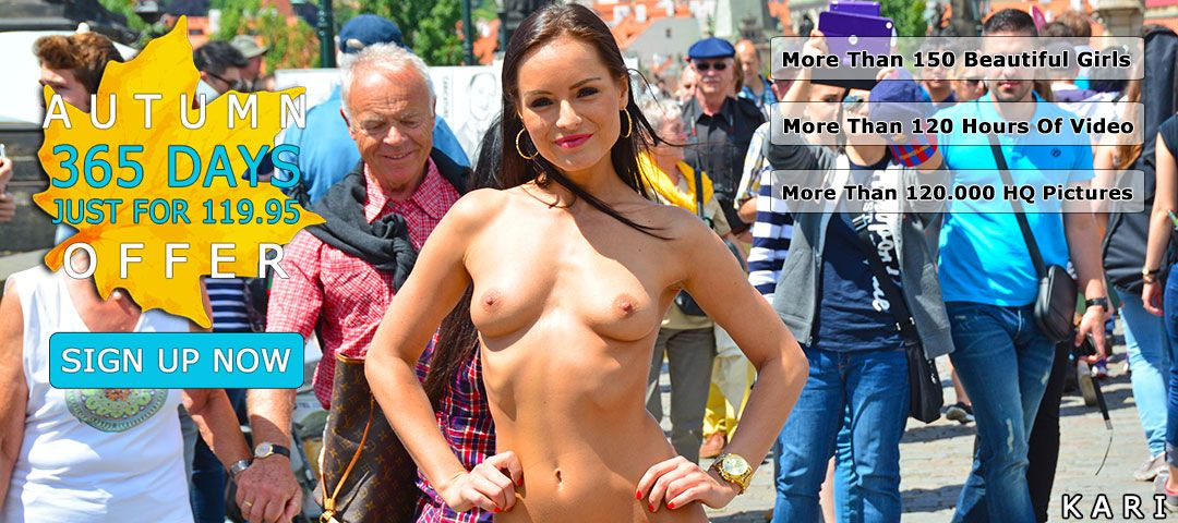 girls naked in public