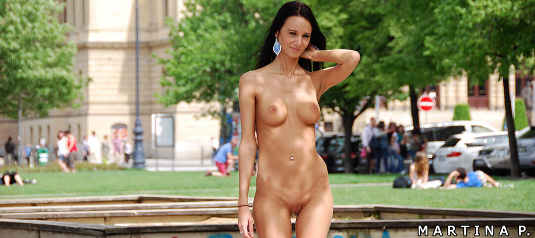 Public Nudity Pics Of Perfect Women