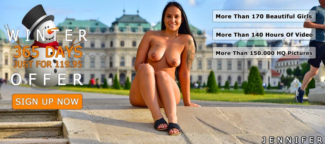 girls nude in public